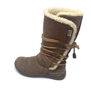 Women's lace up Ugg boots size 7